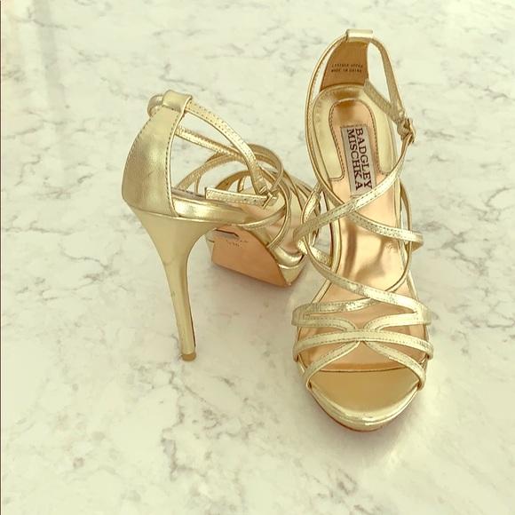 badgley mischka gold heels cheap online